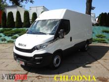 Camión isotermo Iveco DAILY35S13