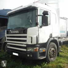 Camion Scania L sasiu accidentat