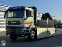 camion platformă si obloane MAN