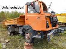Camión Mercedes LK 814 K 4x2 Unfallschaden 814 K 4x2 6-Zylinder, Unfallschaden/Teileverkauf volquete trilateral vehículo para piezas