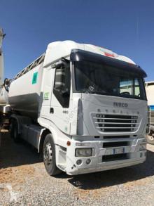 camion cisterna Iveco