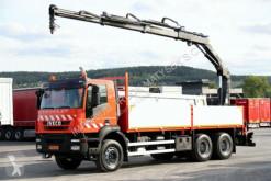 Ciężarówka Iveco TRAKKER 330 / 6X4 / CRANE HIAB 144 / RADIO CONTR platforma używana