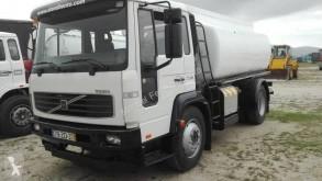 Camion Volvo FL 180 citerne occasion