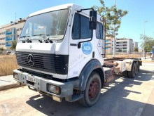 camion transport containere Mercedes