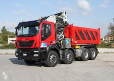 Ciężarówka Iveco Trakker 500 8x4 używana