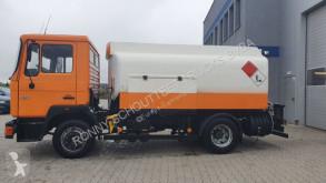 Camion cisternă MAN - 4x2