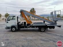 camion nacelle Nissan
