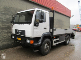 Camion porte voitures MAN L26