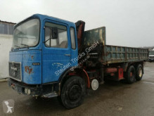 Camión volquete MAN 26.321 K 6X4 Kipper lang Kran voll Blatt Steel