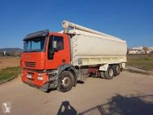 Camion Iveco Stralis 310 cisterna polverulenti usato