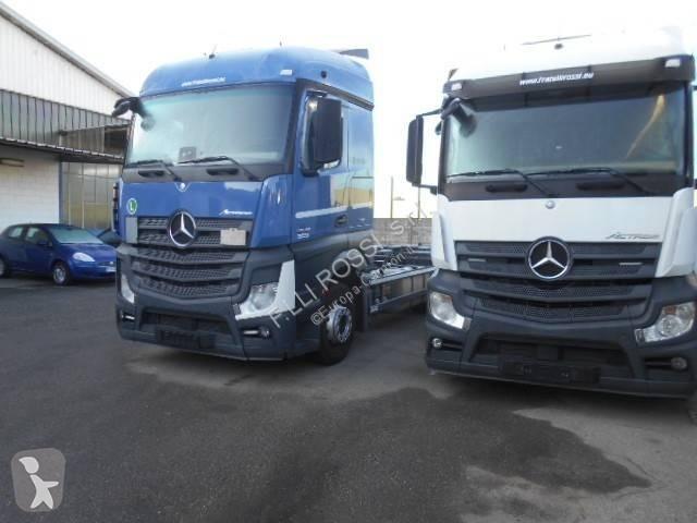 Voir les photos Camion Mercedes Actros 2545