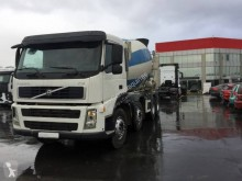 Camion béton toupie / Malaxeur Volvo FM