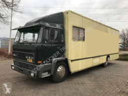 DAF 1600 truck used box