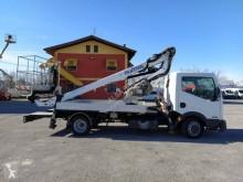 camión Oil & Steel OIL STEEL SCORPION 1812 On Nissan Cabstar