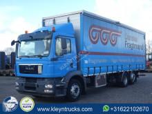 Camión MAN TGM 26.290 lonas deslizantes (PLFD) usado