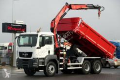 camión MAN TGS 26.360/ 6X4/ 3 SIDED TIPPER+CRANE FASSI F130