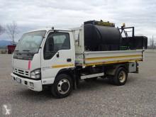 Camion Isuzu NQR 75 citerne à goudron occasion