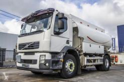 Camion Volvo FE cisterna idrocarburi usato
