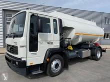 Ciężarówka cysterna do paliw używana Volvo FL6 12