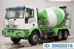 Kamión Iveco Eurotrakker 260E34 betonárske zariadenie domiešavač ojazdený