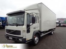 Camión furgón Volvo FL 220