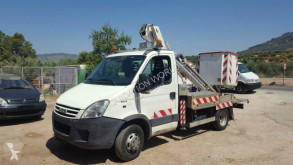 Camion nacelle Iveco Daily 35 C 12 boom lift 12 mts comilev- versalift