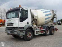 Camião betão betoneira / Misturador Iveco Trakker 380