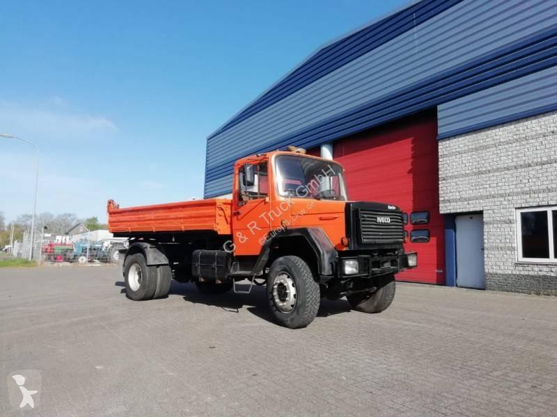 Voir les photos Camion Iveco Magirus Iveco Magirus 160 - 17 (GRAND PONT / SUSPENSION LAMES )