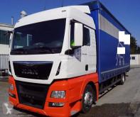 kamion posuvné závěsy MAN