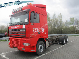 DAF cattle trailer truck XF95