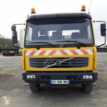 камион самосвал самосвал с двустранно разтоварване Volvo