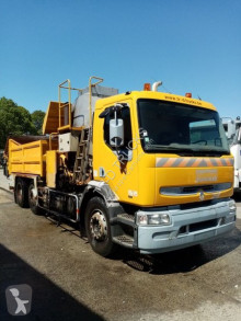 Renault sprayer road construction equipment