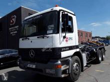 Kamyon konteyner taşıyıcı Mercedes Actros 2635