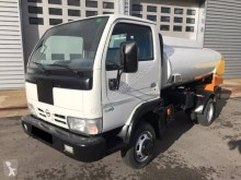 Nissan Cabstar TL 110.45 truck used oil/fuel tanker