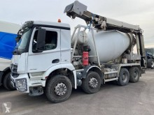 Mercedes Arocs 3236 truck damaged concrete mixer