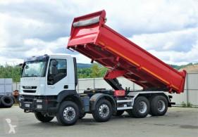 Camião Iveco Trakker 360 Kipper + Bordmatic 6,20m 8x4 !! basculante usado