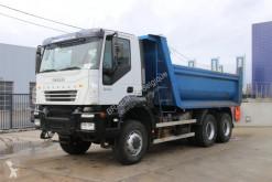 Camión volquete Iveco Trakker