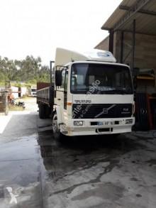 Camion benne Volvo FL6 180