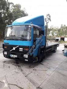 Vrachtwagen Volvo FL6 15 tweedehands platte bak