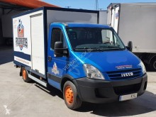 Camion fourgon Iveco Daily 35C12