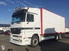 Camión remolque ganadero Mercedes Actros 2553