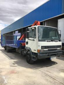 camión DAF 210. GRUA Y PORTAMAQUINAS