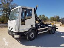 camión Gancho portacontenedor usado