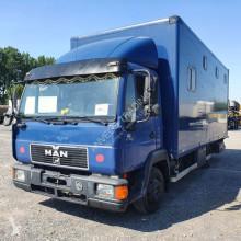 camion MAN 8-153