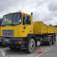 camion MAN 33 - 403 kipper