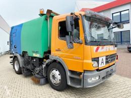 Maquinaria vial Mercedes Atego 1524 L 4x2 1524 L 4x2 Kehrmaschine FAUN Viajet camión barredora usado