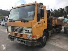 Camion Volvo /FL7 Kipper + Crane/ benne occasion