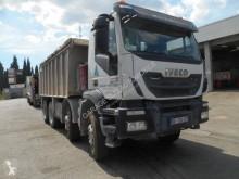 Camión volquete usado Iveco Trakker 410 EEV