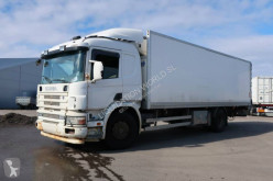 Camion Scania P94 DB 4X2 NB 260 cv liftgate refrigerated truck frigo occasion