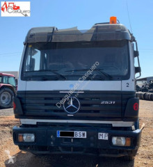 camion Mercedes 2531